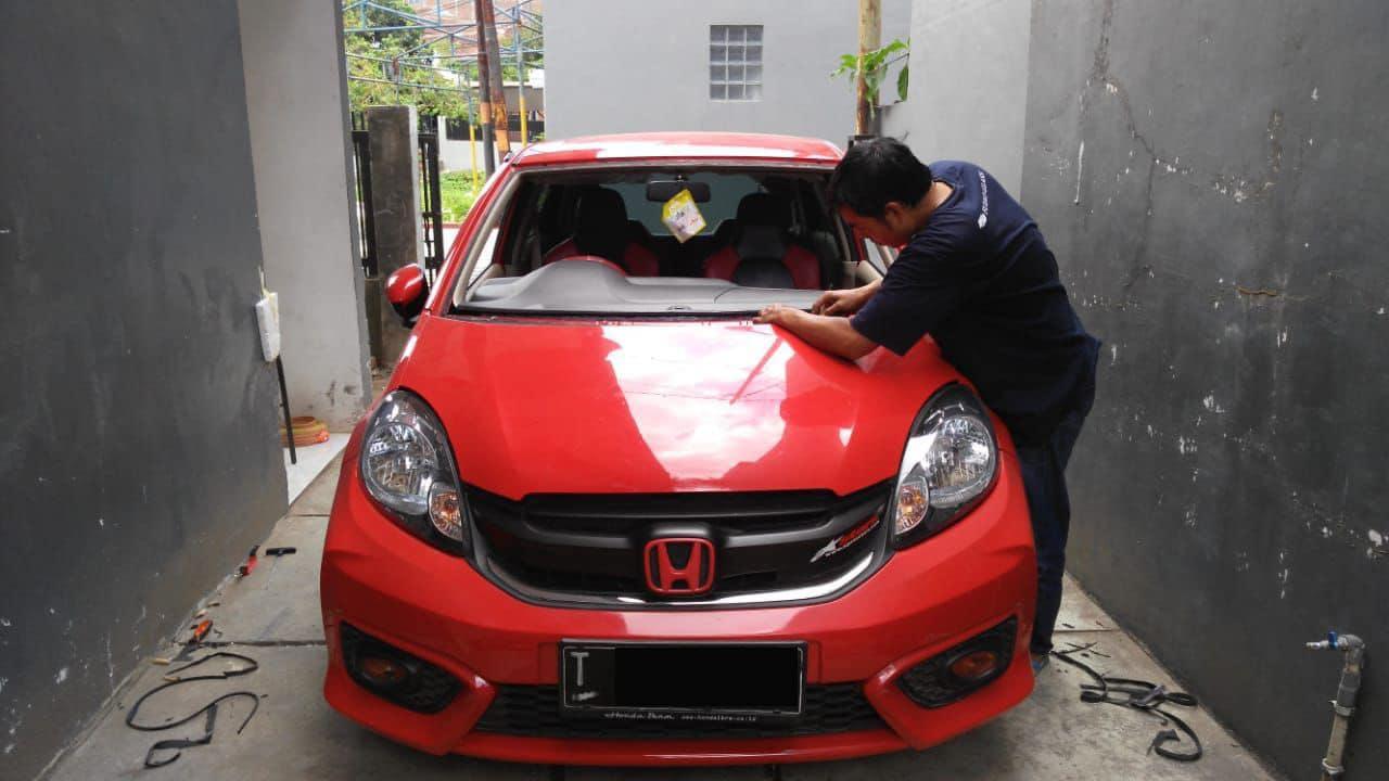 Kaca Mobil Honda Brio