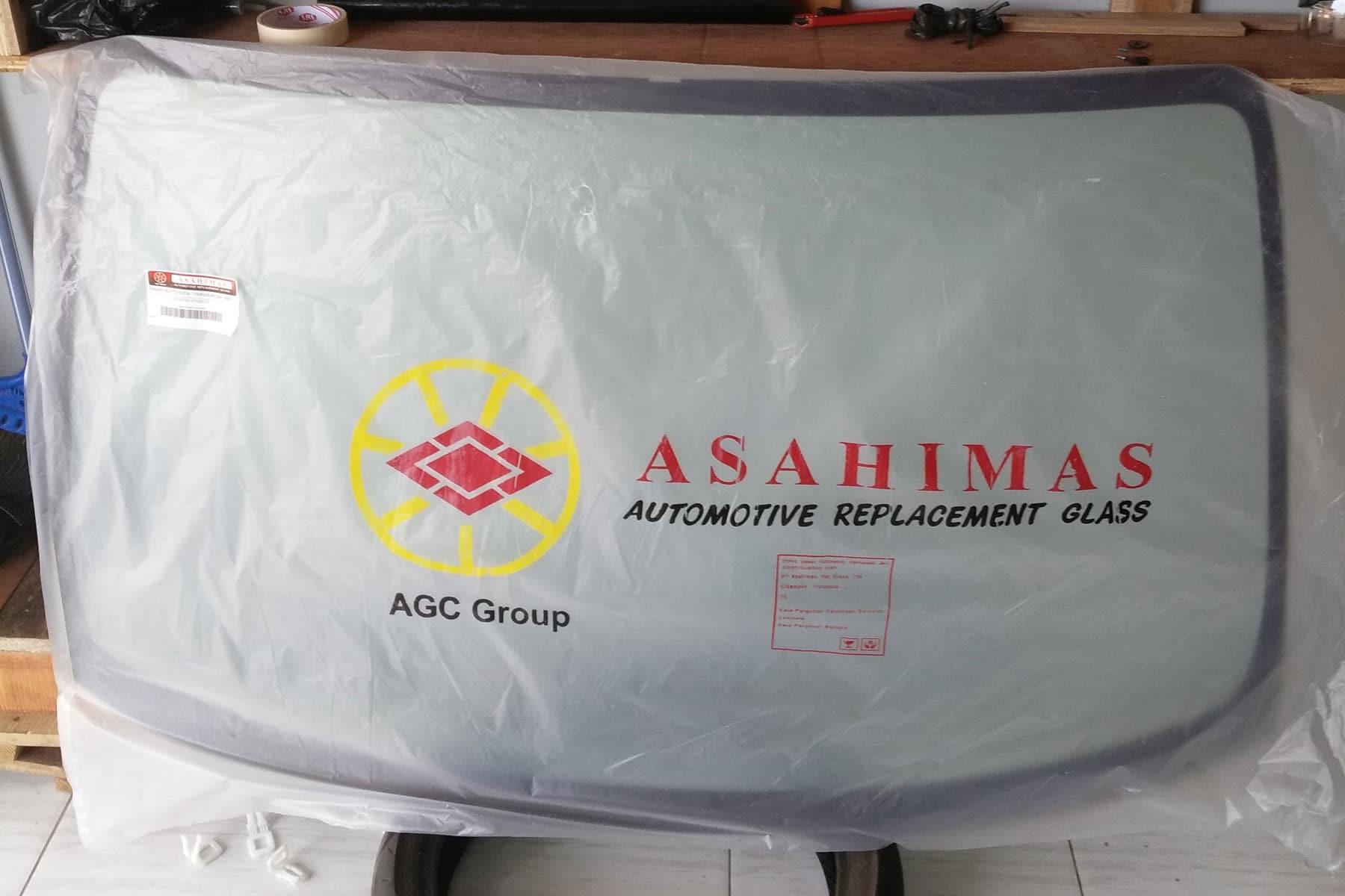 Kaca mobil depan daihatsu terios